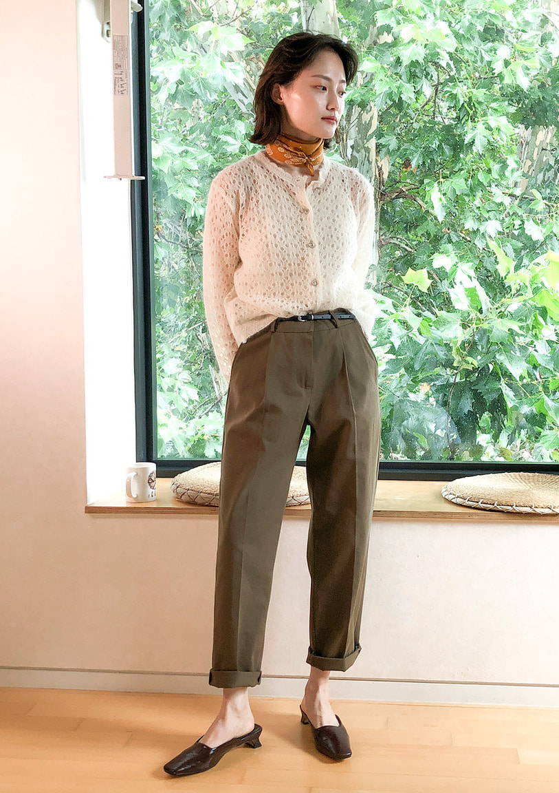 [당일출고] single-tuck tapered pants [2 colors]